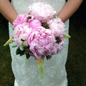 DIY Wedding Bouquet using flowers from your backyard. Save money and make one for a beautiful bride.
