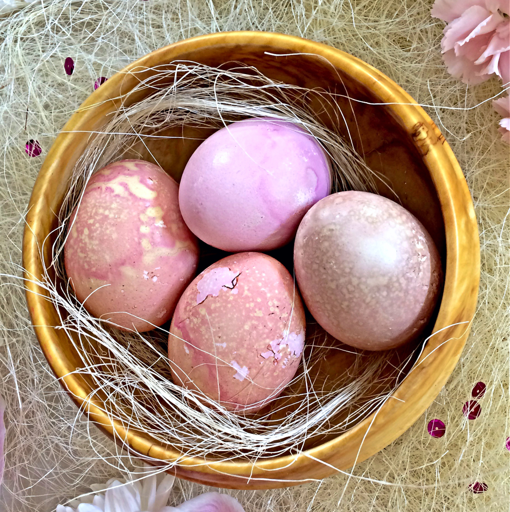 Everything You Need To Know to Make Beautiful Natural Dyed Easter Eggs