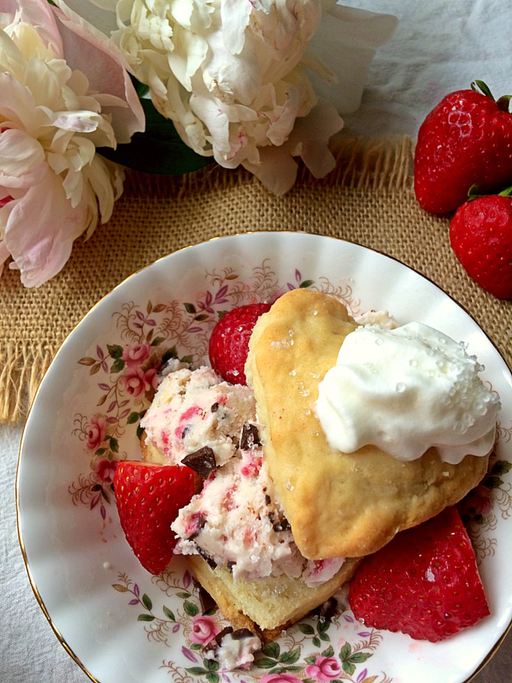 Summer means strawberries. . . and strawberry shortcake! Learn how to bake the perfect shortcake biscuit and have your guests coming back for seconds. This easy homemade recipe will have you in and out of the kitchen in no time. #strawberryrecipe #strawberryshortcake #sweettreats #easydessert #easydessert recipe #summerdessert