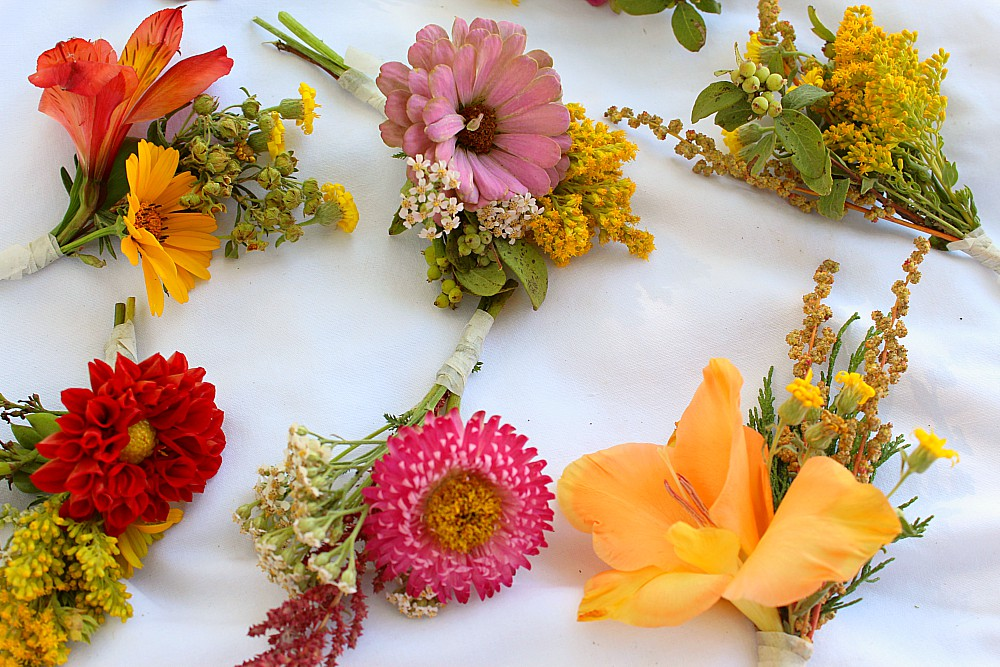 Money Saving DIY Boutonnieres for Fall Weddings