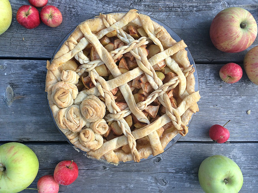Channel your inner grandmother and learn how to organize your own apple pie making day. Easy apple pie recipes, tips, tricks, and advice. P.S. crab apples work just as well! #applepie #crabapples #piemaking
