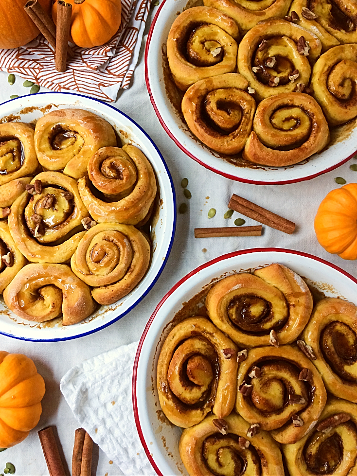 Crazy for pumpkin spice?  You need to make these pumpkin cinnamon rolls!  You'll love this easy homemade recipe that's perfect for Thanksgiving sweets. #pumpkin #pumpkinspice #cinnamonbuns #cinnmonrolls #recipe #dessert #sweets #best #fall #autumn